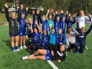 TEAM: Super Fotball Teamleder: Katharina Frigstad Høyåsen, Tiril Tomine Fredriksen, Thea Ingebretsen, og Hanna Larsen.