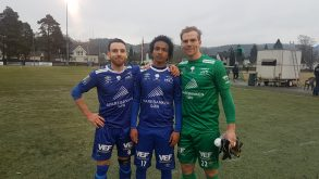 Kaptein Magnus Langerud, Berry Gerezgi og keeper Johnny Kristiansen Borden, som ikke har sluppet inn mål på sine 2,5 kamper i år.